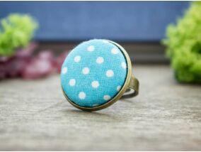 Fehér és kék pöttyös textil gombos gyűrű