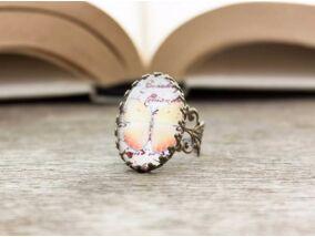 Üveglencsés pillangó gyűrű