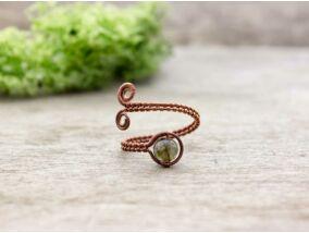 Lepidolit ezüst színű drót gyűrű