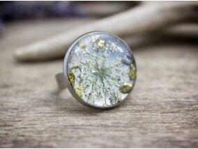 Műgyanta préselt virágos szirmocskák gyűrű