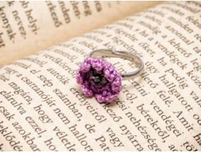 Horgolt lila gyerek gyűrű