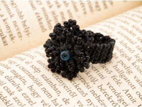 Horgolt fekete gyöngyös gyűrű