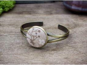 Mennyei mályva színű virágcsokor textil gombos karperec