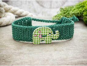 Zöld elefánt gombos horgolt gyermek karkötő