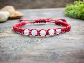 Opalit piros makramé karkötő