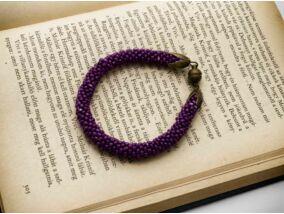 Élénk lila gyöngy horgolt mágnes záras karkötő