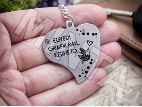 Személyre szabott feliratos szív medálos kulcstartó