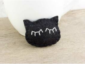 Gyapjúfilc fekete cica mini kitűző
