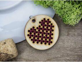 Keresztszemes lila szív lézervágott nyírfa medál