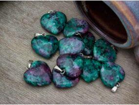 Rubin-zoizit szív ásvány medál
