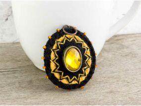 Gyapjúfilc fekete és narancs barokk medál