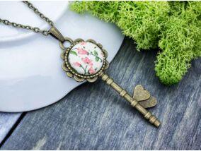 Romantikus vintage virágok kulcsa textil gombos nyaklánc