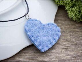 Kék szívecske nyaklánc gyapjúfilcből