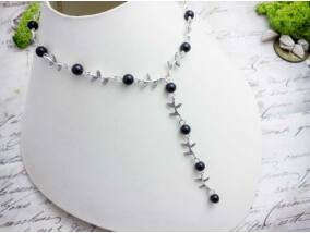 Fekete gyöngyös levélkés nyaklánc