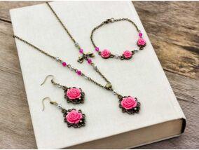 Magenta színű rózsás fülbevaló karkötő és nyaklánc szett
