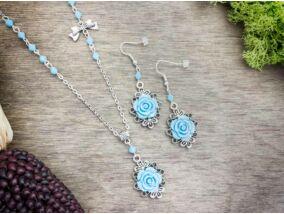 Kék színű rózsás fülbevaló és nyaklánc szett