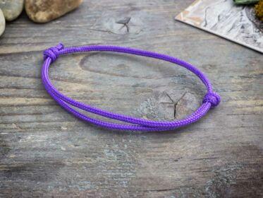 Barátság lila paracord karkötő