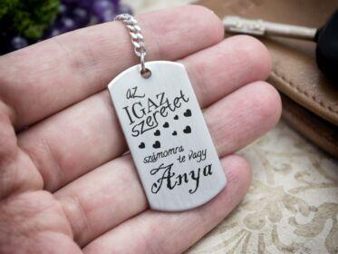 Az igaz szeretet te vagy acél medálos kulcstartó