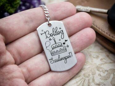 Boldog szülinapot acél medálos kulcstartó