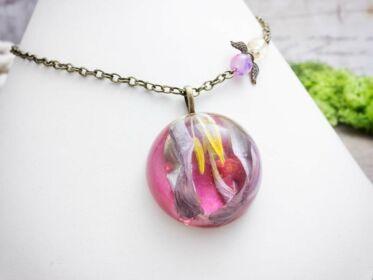 Szerelemvirág műgyanta préselt virágos nyaklánc