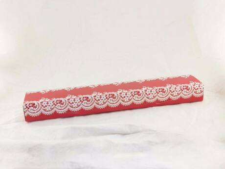 Piros fehér ékszerdoboz