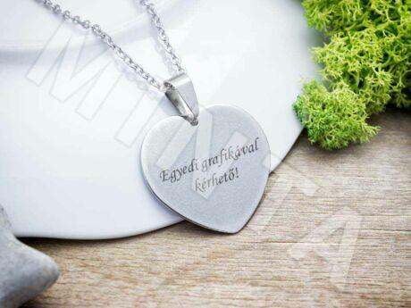 Egyedi grafikával gravírozott acél szív medál nyaklánccal