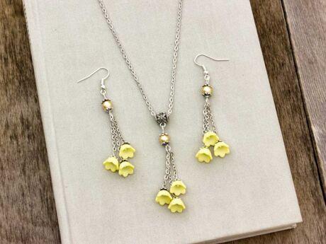Sárga virágos nyaklánc és fülbevaló szett