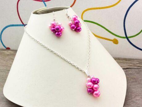 Rózsaszín bubble tekla gyöngyös nyaklánc és fülbevaló szett