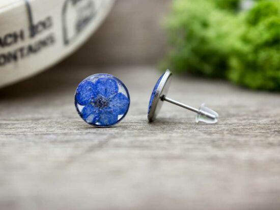 Kék virág beszúrós gyanta fülbevaló