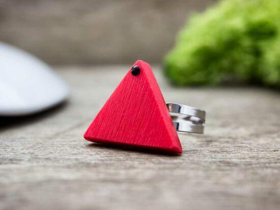 Gyurma piros csillanó piramis árnya gyűrű