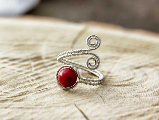 Vörös korall ezüst színű drót gyűrű