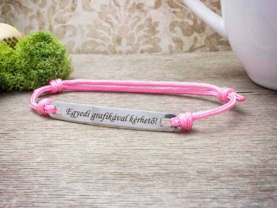 Személyre szabott feliratos lapbetétes rózsaszín karkötő