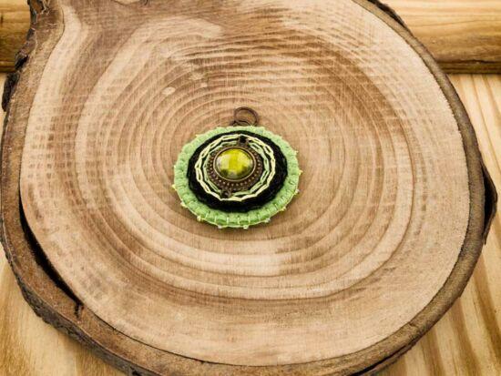 Gyapjúfilc zöld csillogás medál