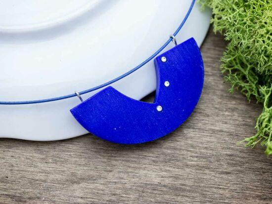 Gyurma kék csillanó pajzs medál sodrony nyaklánccal