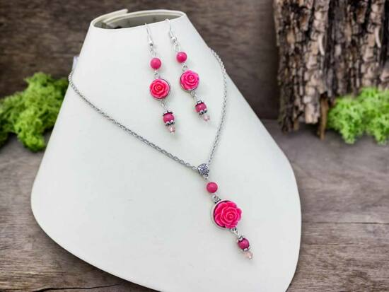 Korall színű rózsás fülbevaló és nyaklánc szett