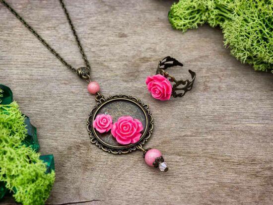 Korall színű rózsás gyűrű és nyaklánc szett
