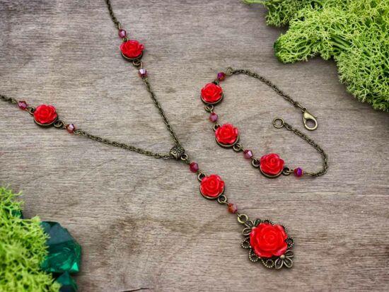 Piros rózsás karkötő és nyaklánc szett