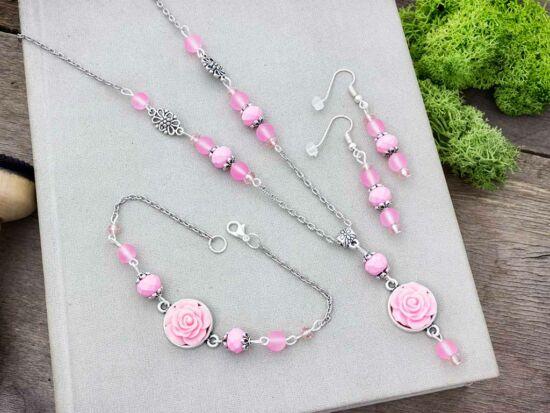 Rózsaszín rózsás fülbevaló karkötő és nyaklánc szett