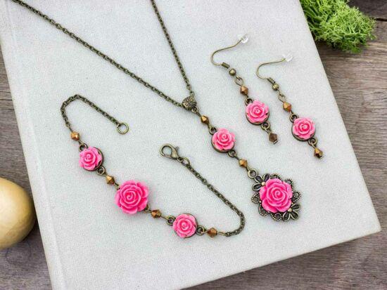 Korall színű rózsás fülbevaló karkötő és nyaklánc szett