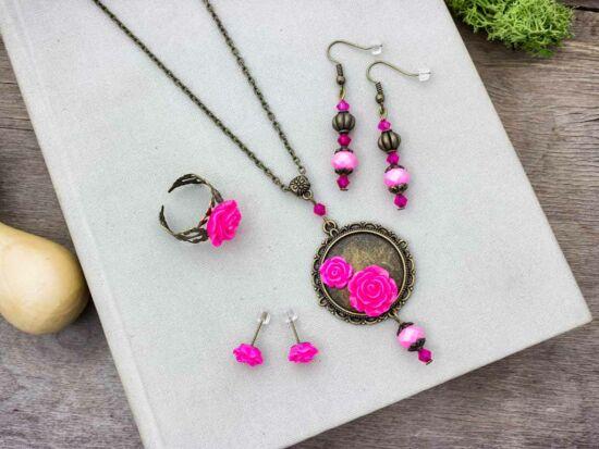 Rózsaszín színű rózsás gyűrű fülbevalók és nyaklánc szett