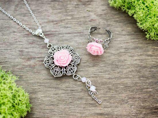 Rózsaszín rózsás gyűrű és nyaklánc szett