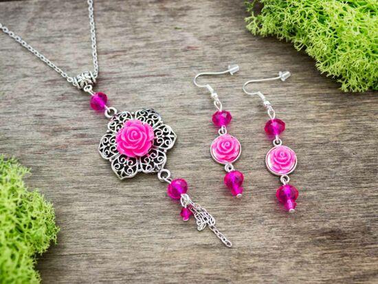 Magenta színű rózsás fülbevaló és nyaklánc szett