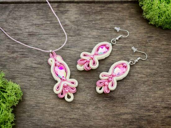 Rózsaszín vágy sujtás nyaklánc és fülbevaló szett