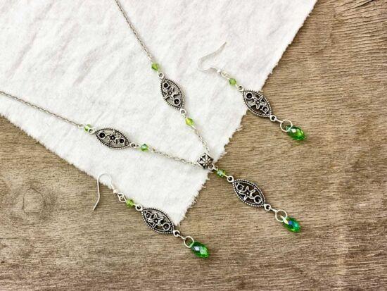 Zöld színű kristályos fülbevaló és nyaklánc szett
