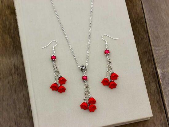 Piros virágos nyaklánc és fülbevaló szett