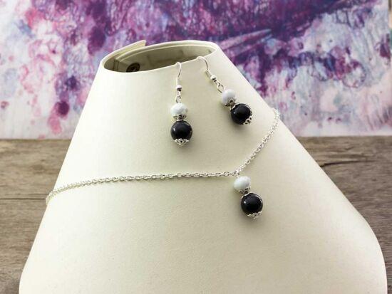 Fekete fehér kristályos gyöngyös nyaklánc és fülbevaló szett