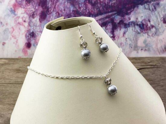 Ezüst kristályos gyöngyös nyaklánc és fülbevaló szett
