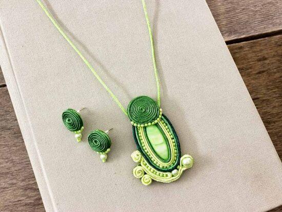 Zöldike sujtás nyaklánc és fülbevaló szett
