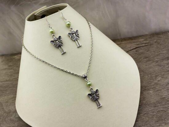 Karácsonyi angyal zöld gyöngyös nyaklánc és fülbevaló szett