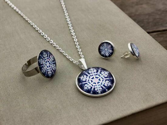 Üveglencsés karácsonyi kék hópehely nyaklánc gyűrű és fülbevaló szett